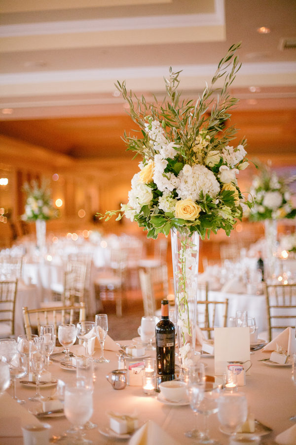 Spring wedding themes ideas the image for Beautiful wedding decoration ideas