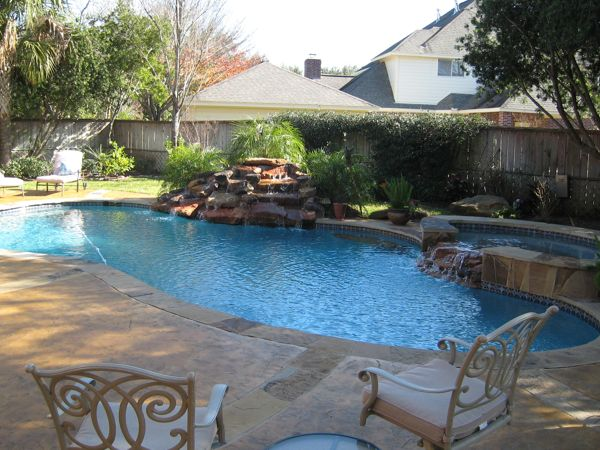 Eye catching and cool ideas of pool design for backyard for Backyard inground pool ideas