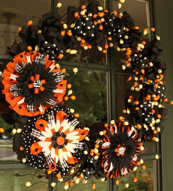Amazing Wreaths Of Amazing And Spooky Halloween Wreath Ideas Themescompany